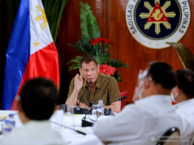 Palace open to dialogue with Facebook