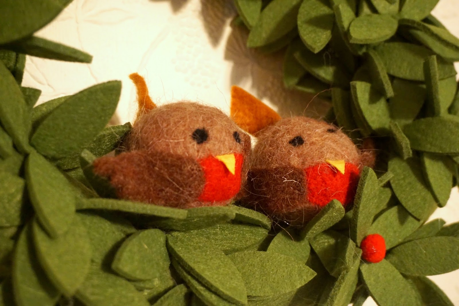 Debenhams indoor felt robin wreath