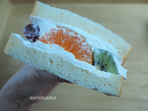 フルーツサンド