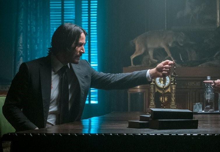 """Novas imagens de """"John Wick 3"""" apresentam o assassino em busca de ajuda"""
