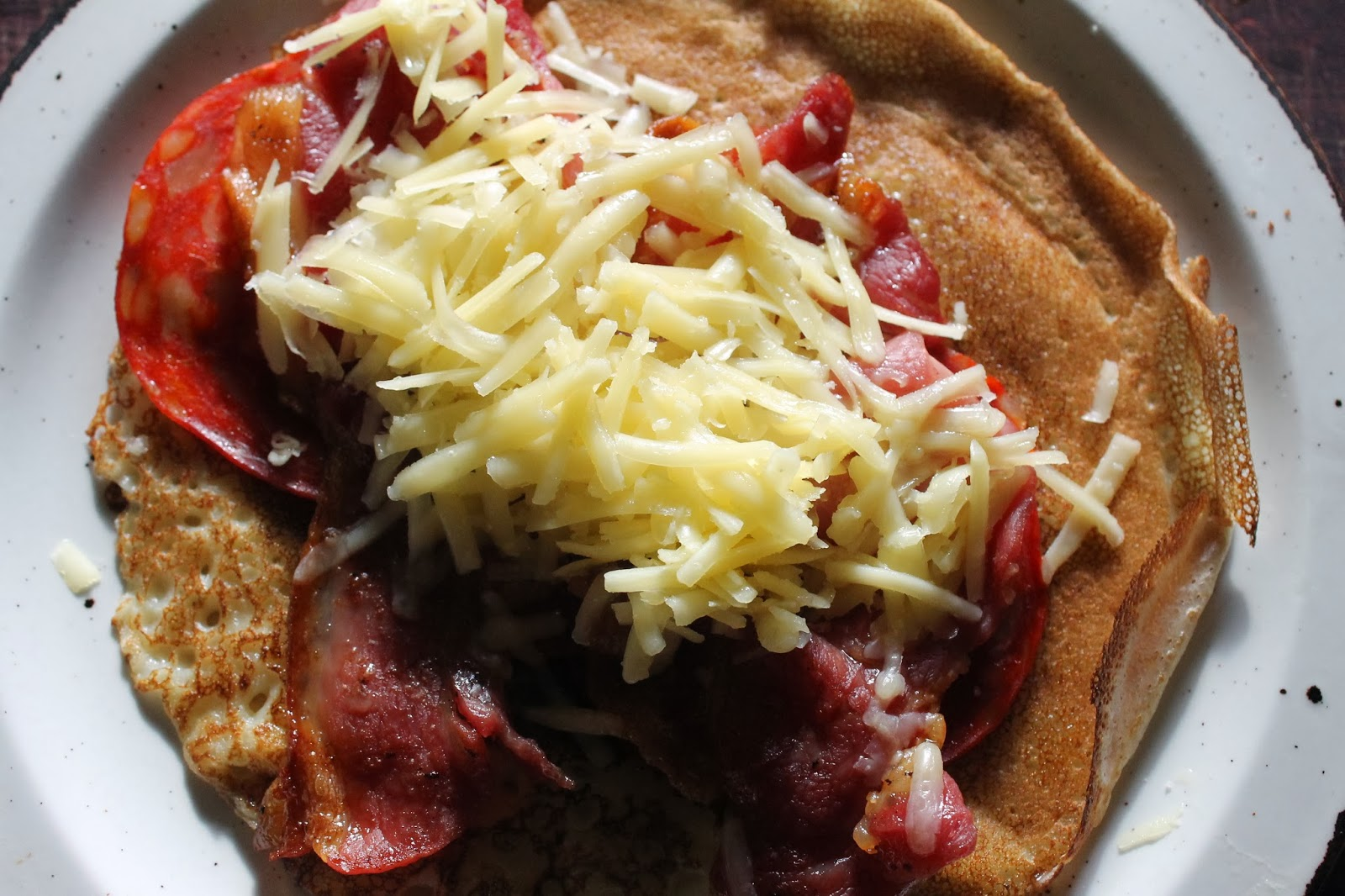 Bacon, chorizo and cheese pancakes - www.jibberjabberuk.co.uk