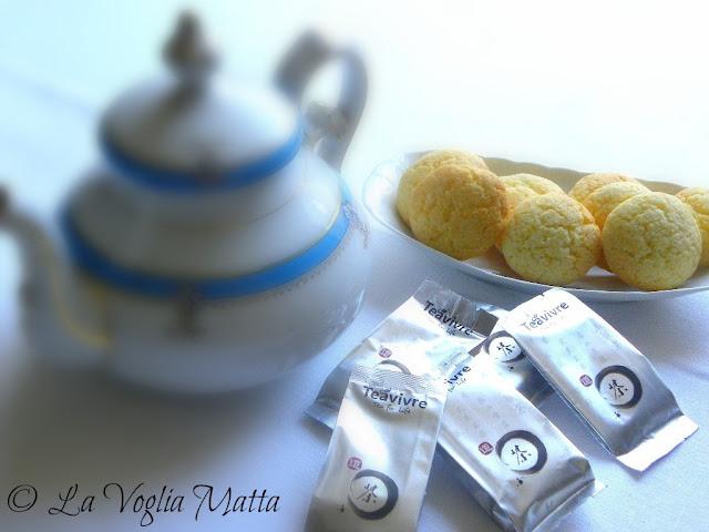 biscottini all'arancia e Tea Vivre
