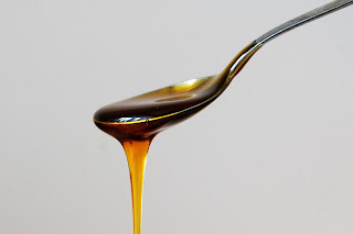 Honey and eggs for hair shine, rejuvenation and growth