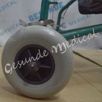 toko alat bantu jalan beroda dilengkapi rem