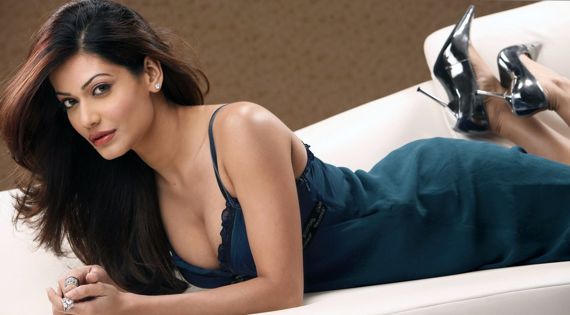 payal-rohatgi-told-the-hideous-truth-behind-the-scenes-accusing-yash-raj-films-of-killing-sushant