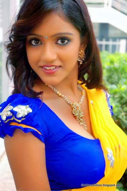 South Indian actress Keerthi HOT navel show photos