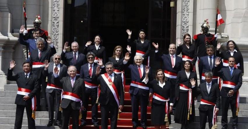 PCM: Renunció todo el Gabinete Ministerial encabezado por Ántero Flores-Aráoz