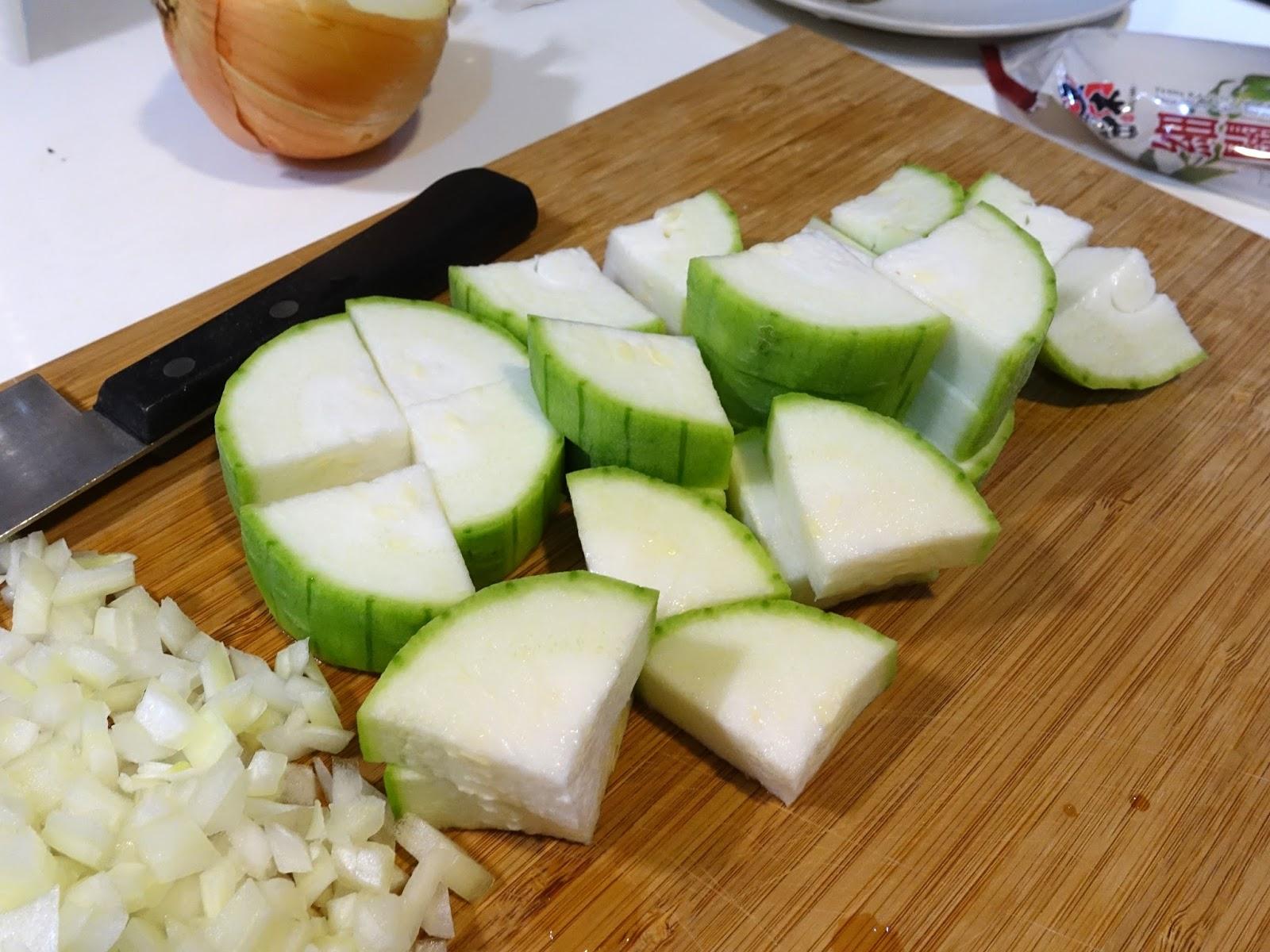 [食譜] 絲瓜蝦仁麵。夏季簡易好料理 | 西西烹飪筆記