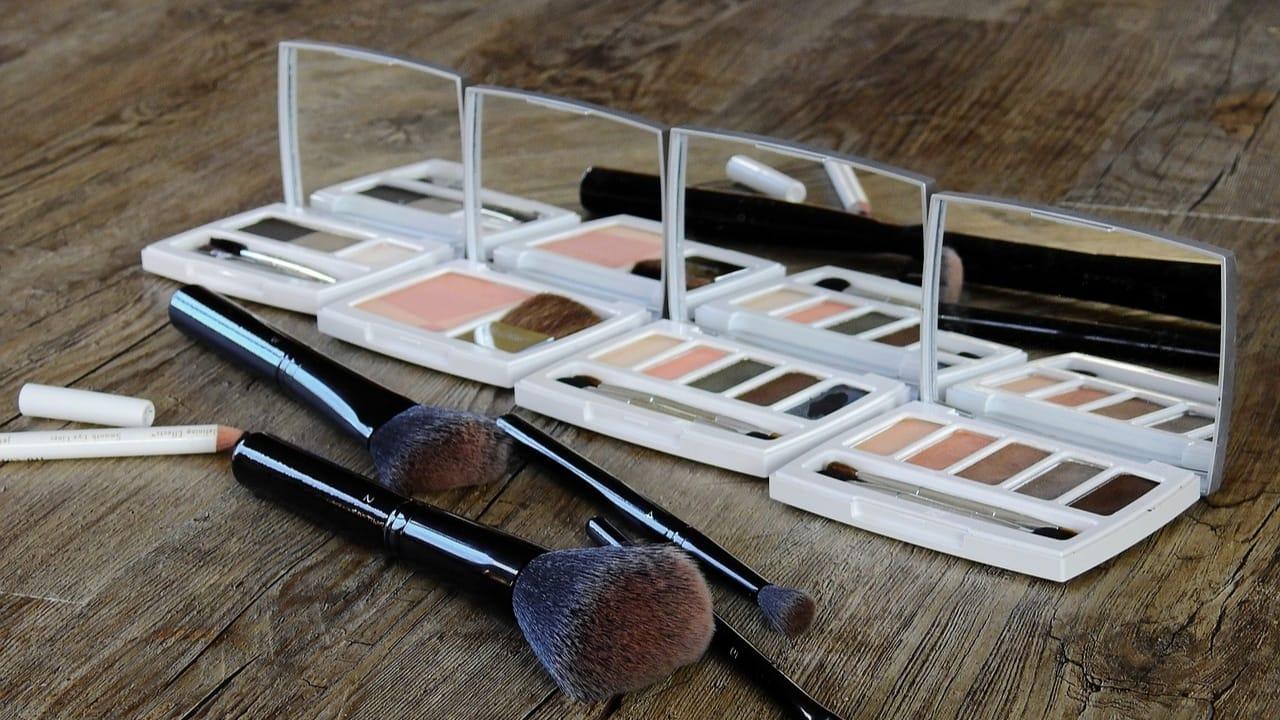5 Rekomendasi Toko Kosmetik dan Makeup Murah di Lazada