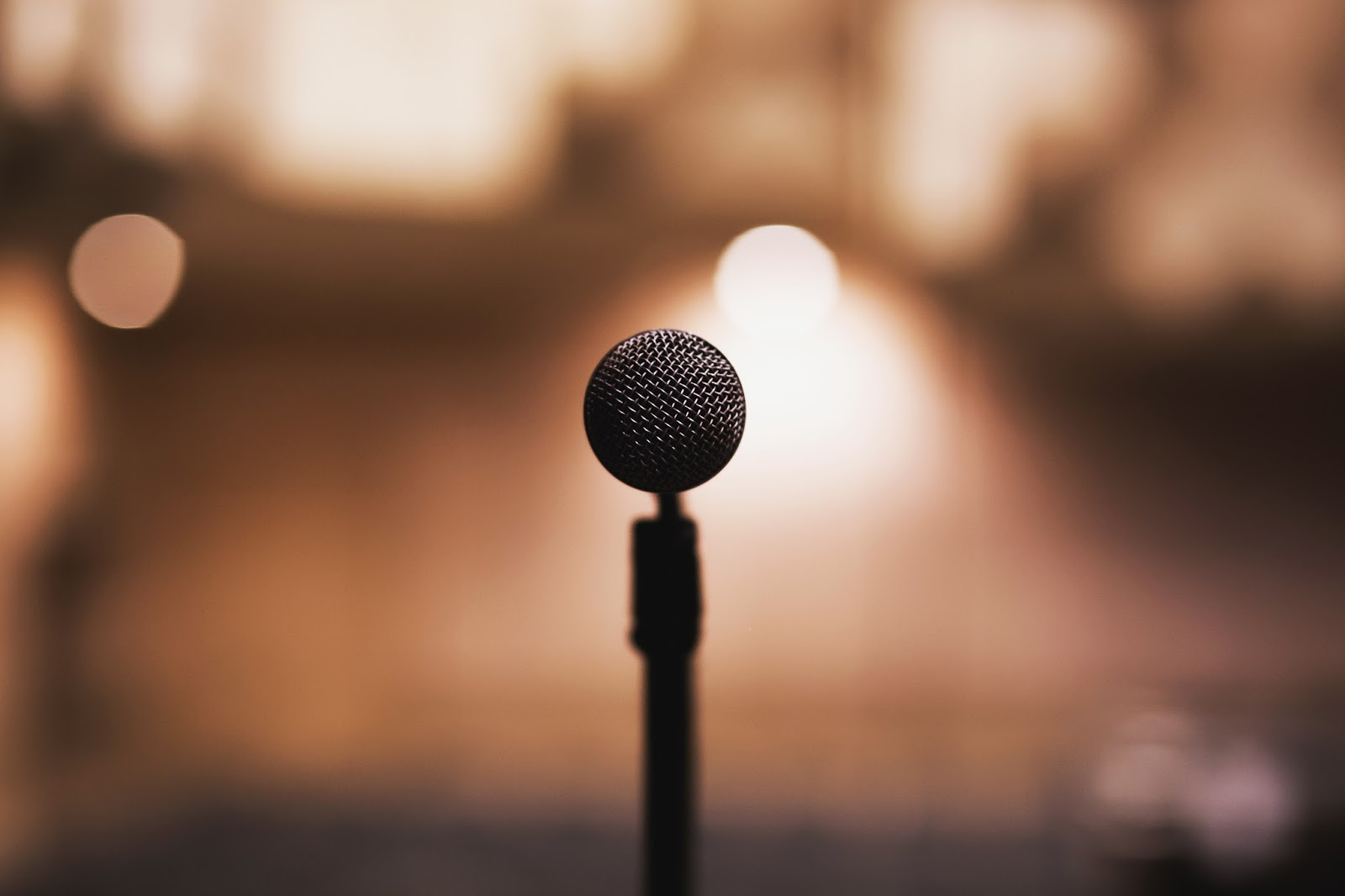 Nie wiesz co zrobić z mikrofonem?
