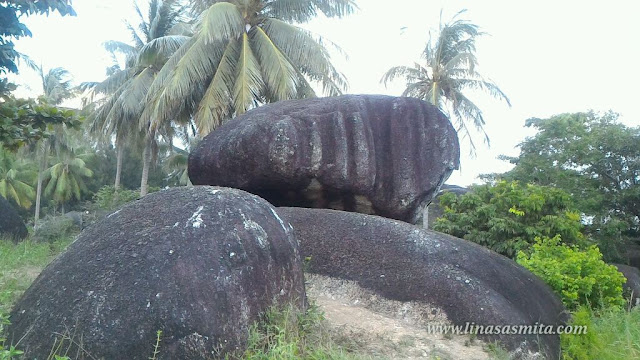 Asking Stone Natuna