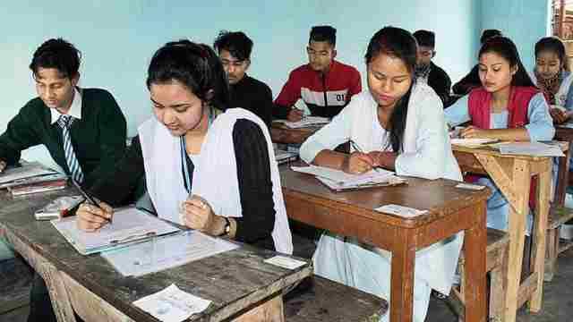 असम में सोमवार यानी आज से चरणबद्ध तरीके से स्कूल और कॉलेज फिर से खोलेगा।