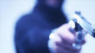 Palmital: Família é feita refém por bandidos e tem carro e pertences roubados