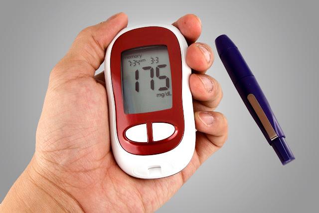 أضرار مرض السكر.. أبرزها السمنة والشيخوخة والكسل وقلة المزاج