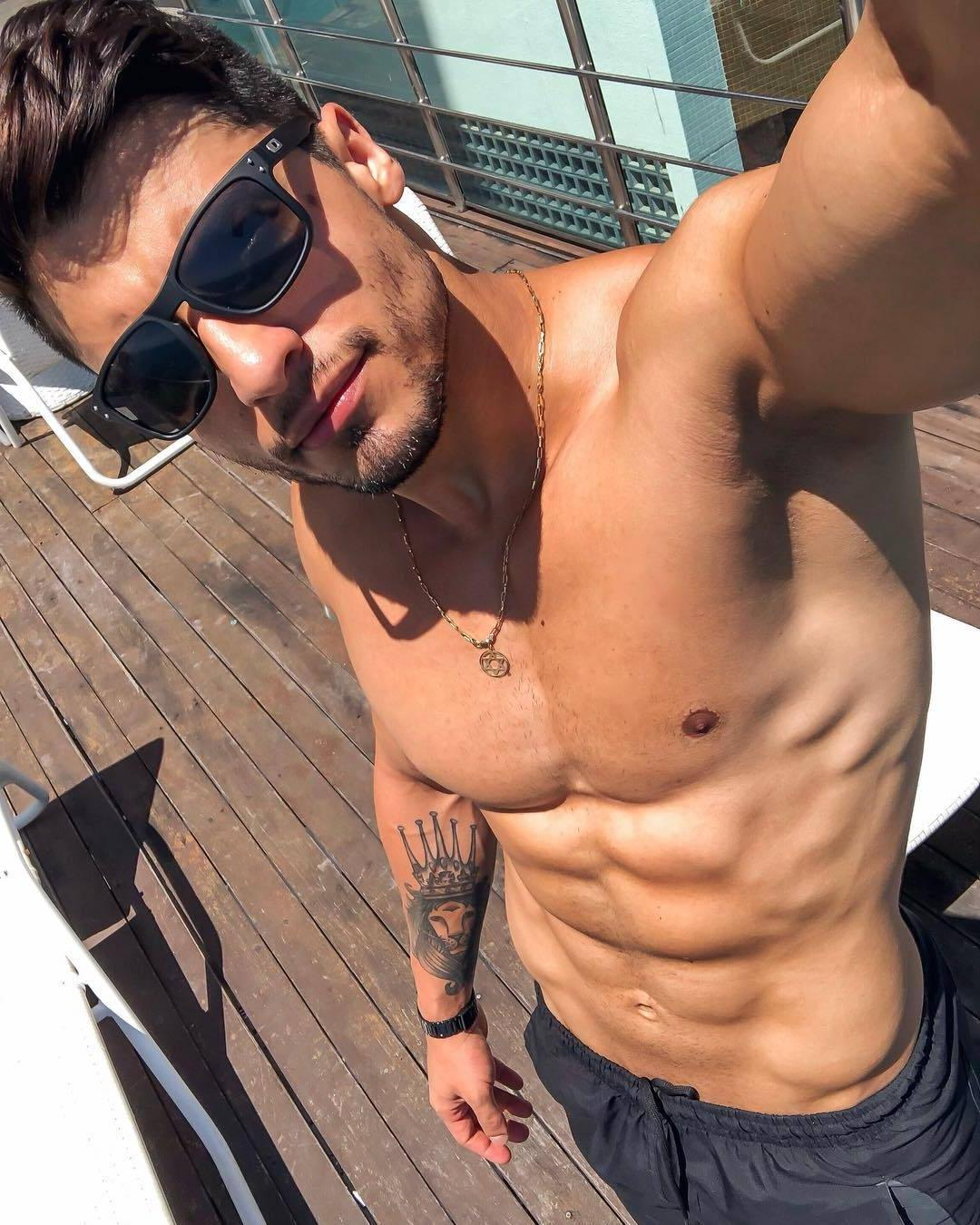 hot-guys-with-sunglasses-shirtless-fit-body-arm-king-lion-tattoo-small-male-nipples-selfie
