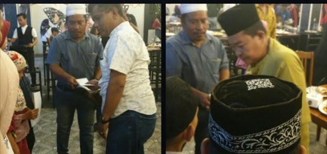 Pimpred taslabnews.com beserta perwakilan Kapolres Asahan Iptu S Siahaan, perwakilan Plt Bupati Asahan Nirwan Pase memberikan santunan pada anak yatim.