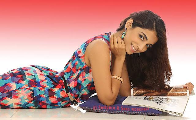 मारी प्रियतमां- थोडी गुमानी खरी पण गुस्ताख ए नथी..Gujarati Kavita By Naresh K. Dodia