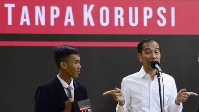 Jokowi Tegaskan Kartu Prakerja tak Gaji Pengangguran