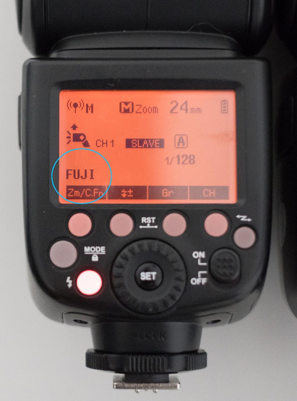 Godox V860II-N показывает, что управляется с помощью Godox TT350-F