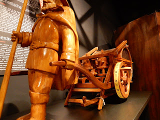LEONARDO INTERACTIVE MUSEUMの車の模型