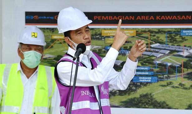 Jokowi Minta Seluruh Anak Buahnya Fokus Kerja Tangani Corona Secepatnya