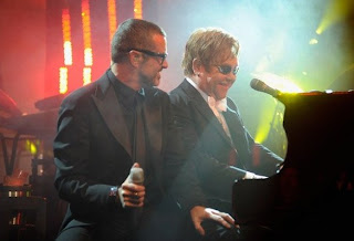 GEORGE MICHAEL NL - george-michael-performs-at-white-tie-and