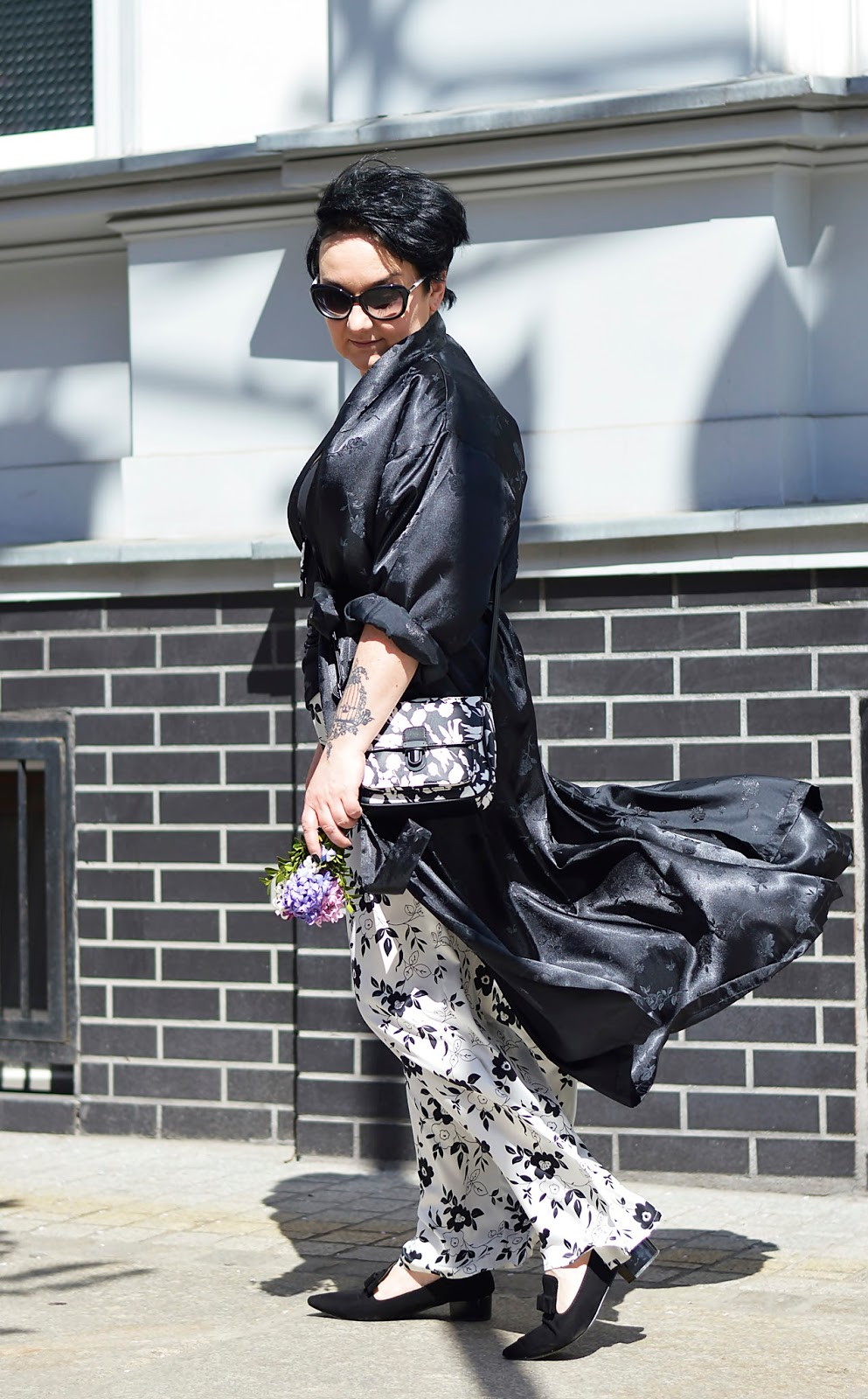 Black and white style, pajama style, loose pants