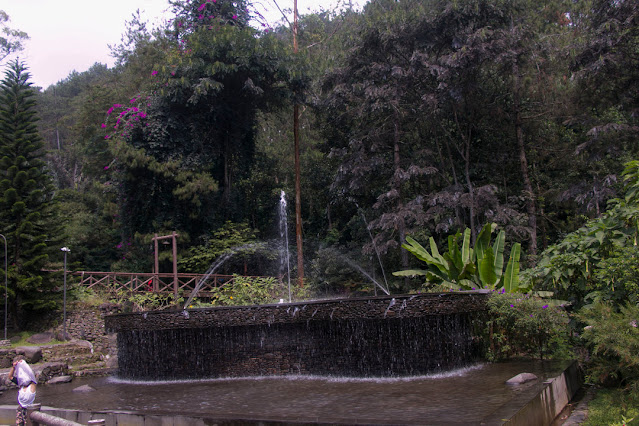 Air Mancur Taman Bougenville