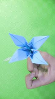 Hướng dẫn cách gấp hoa bằng giấy đơn giản mà đẹp hết hồn luôn