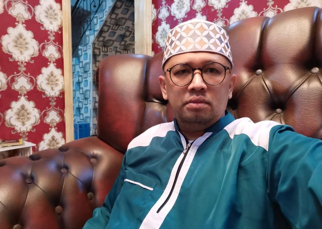 Luhut Sesumbar Bakal Pecat Kepala Daerah Melawan Aturan PPKM Darurat, Gus Umar: Tuh Gibran Nekat Buka Mall, Berani Pecat Gak?