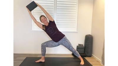 5 tư thế bạn nên thử với gạch tập Yoga
