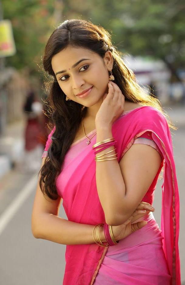 Tamil actress sri Divya Hot saree stills
