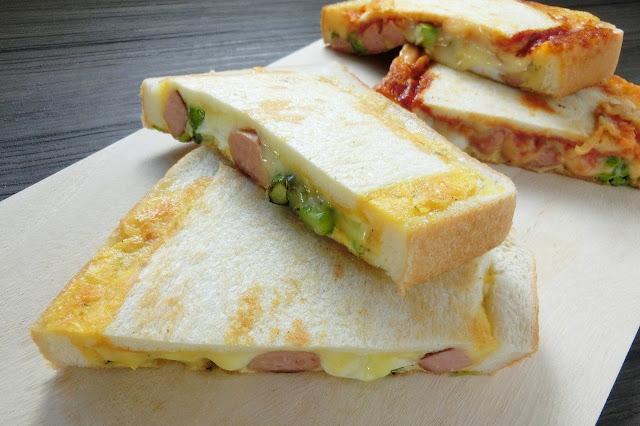 アスパラガスとウィンナーの食パン卵キッシュ(ホットサンド)のレシピ