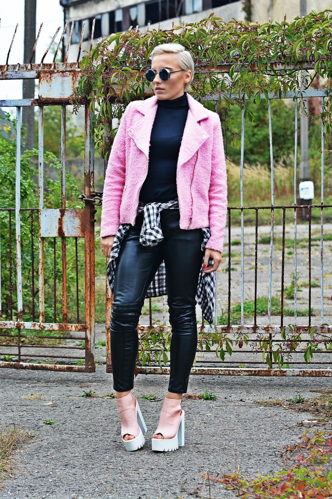 pink_jacket_leather_pants_karyn