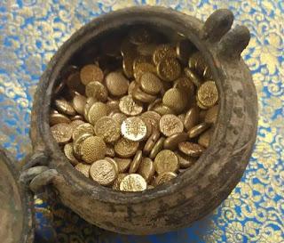 मन्दिर खुदाई में मिला सोना
