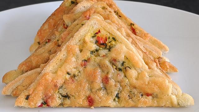 recette, sandwich, végétarien, sandwich à une tranche, 5 min, peu d'ingrédients, recette rapide, facile, épinards, piment, fromage