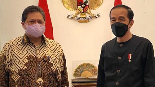 Pengamat: Airlangga Mesra dengan Jokowi Karena Golkar Lebih Disiplin Daripada PDIP