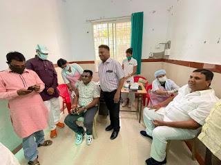 कोविड वैक्सीनेशन कार्यक्रम में मददगार बन रहे भाजपा कार्यकर्ता