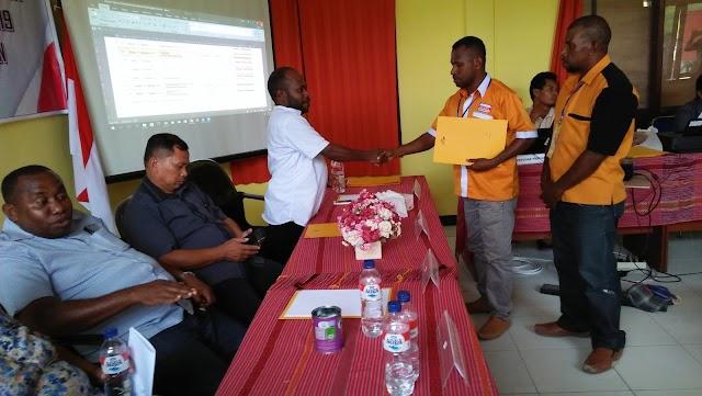 Proses pendaftaran parpol di KPU Sorong Selatan ( Partai HANURA)