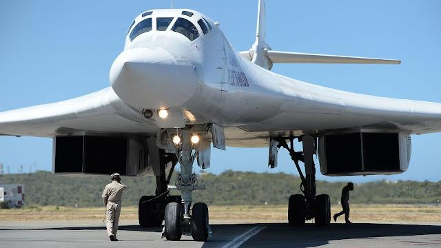 MUNDO: Rusia envió dos bombarderos Tu-160 con capacidad nuclear frente a Alaska como parte de entrenamiento.
