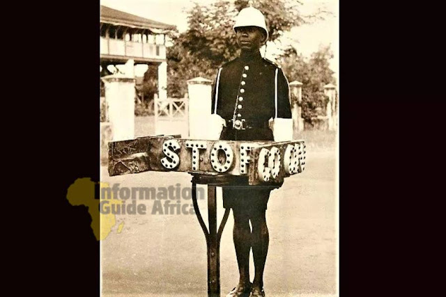 The Manual Traffic Light Was Used In Lagos In The 1940s [See Very Rare Photos]
