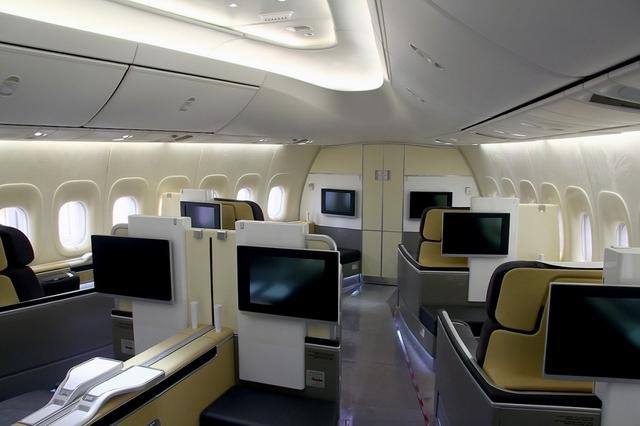 أغلي عشر تذاكر طيران في العالم لوفتهانزا - نيويورك إلى هونغ كونغ