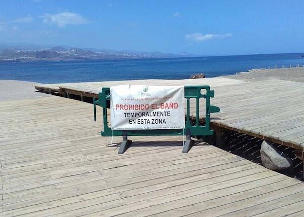 Playa El Confital  cerrada por Salud Pública