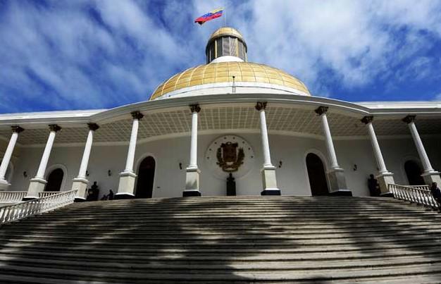 Unión Interparlamentaria insta a Maduro a respetar la Asamblea Nacional