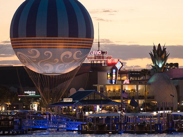 Balão da Disney em Orlando no pôr do sol