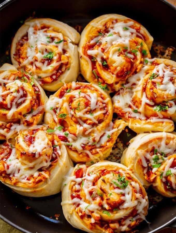 بيتزا رول