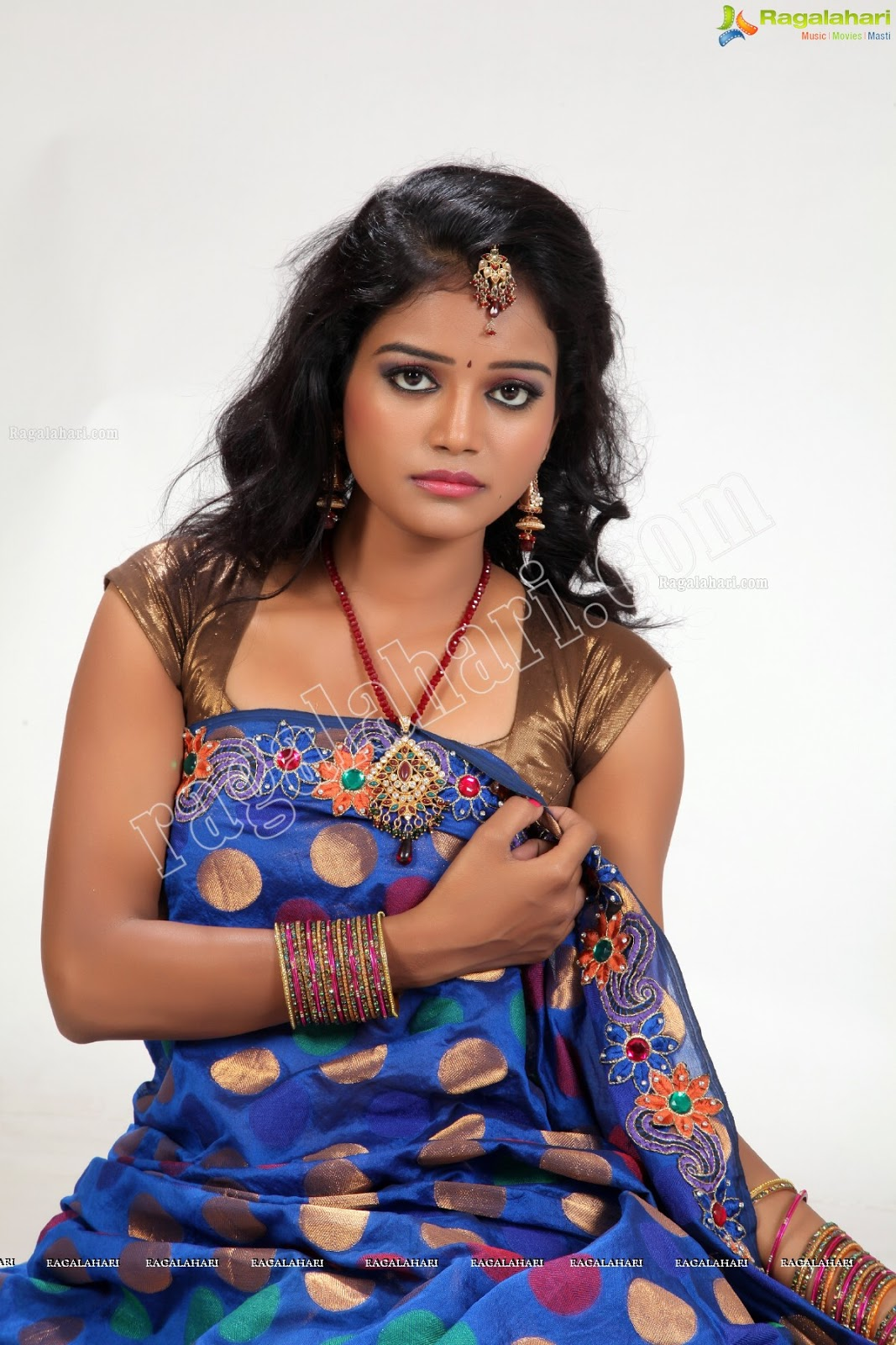 Navel Heroines Maheswari Tv Serial Actress Hot, Sexy -1293