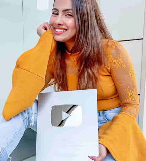 Aashna Hegde With Youtube Silver Play Button