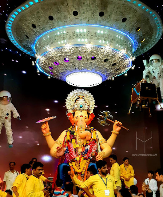 Lalbaugcha Raja Sarvajanik Ganeshotsav Mandal, Ganesh Chaturthi 2019, Ganesh Chaturthi, Mumbai Ganesh Festival, Mumbai, Mumbai Ganpati 2019, Ganesh Chaturthi in Mumbai, Ganesh Chaturthi celebration in Mumbai, Ganesh Chaturthi Celebrations, Famous ganpati in Mumbai, Festival, Best Ganpati in Mumbai, Mumbai Ganesh darshan, Ganesh Chaturthi Mumbai, Blog, Blogging, Bloggers, Indian Bloggers, Incredible India, Personal, Happening Heads, #HappeningHeads