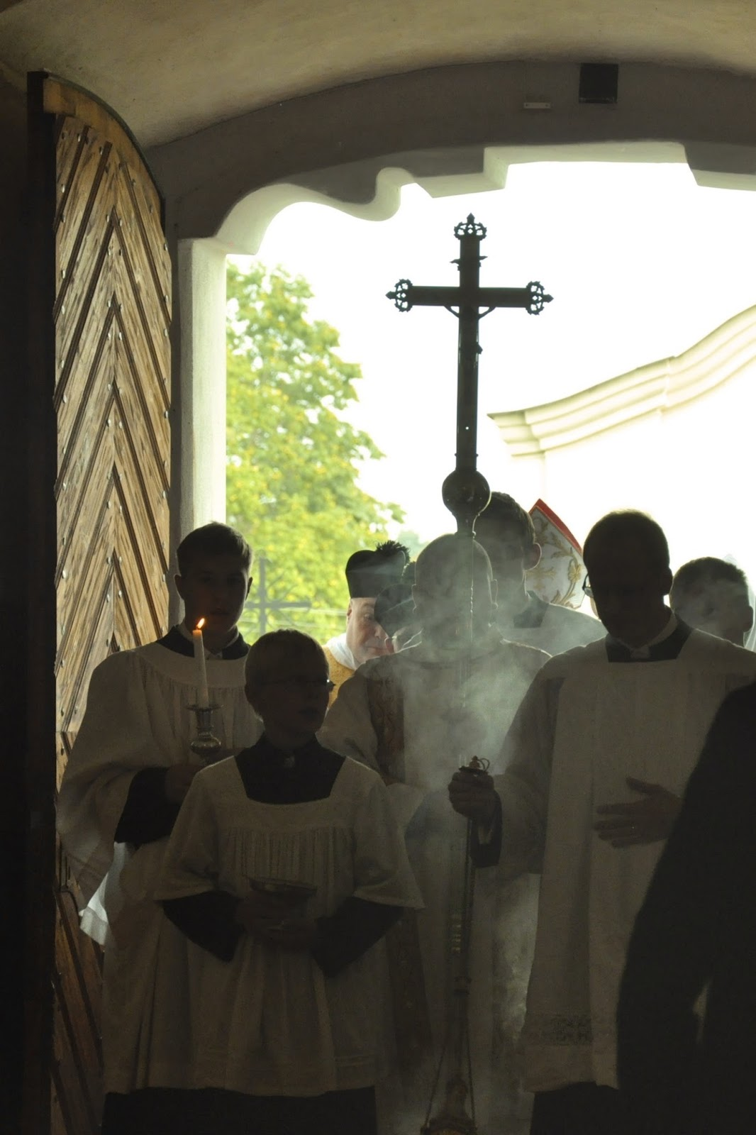 New Liturgical Movement: Pontifical Solemn Mass in Lithuania
